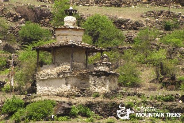 old stupa enroute