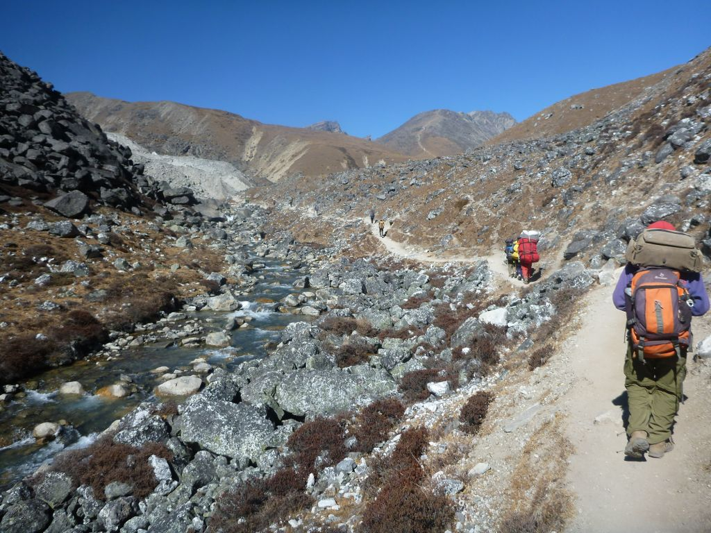 trail to gokyo