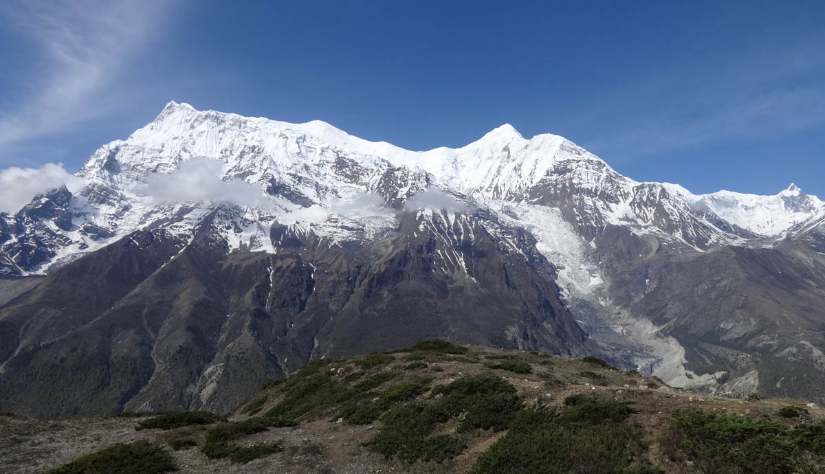 Annapurna 2, Annapurna Circuit Trek