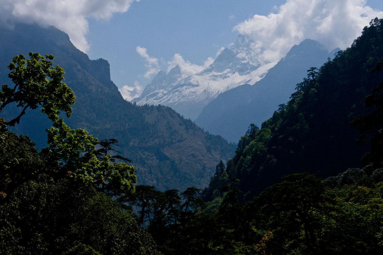 First mountain views, Annapurna Circuit Trek