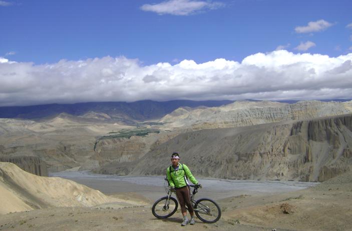 Riding above Tetang, Mustang