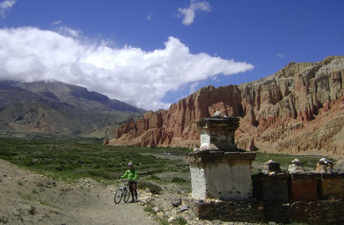 Arriving in Drakmar, Mustang