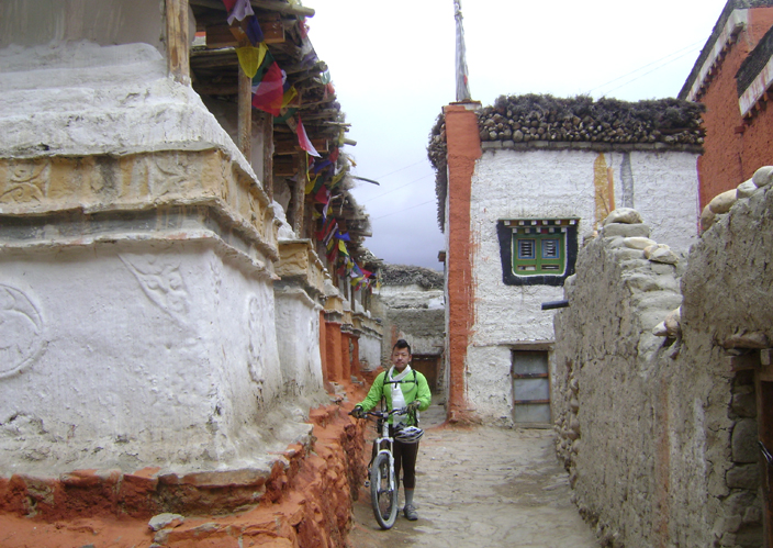 Riding in Lo Manthang, Mustang